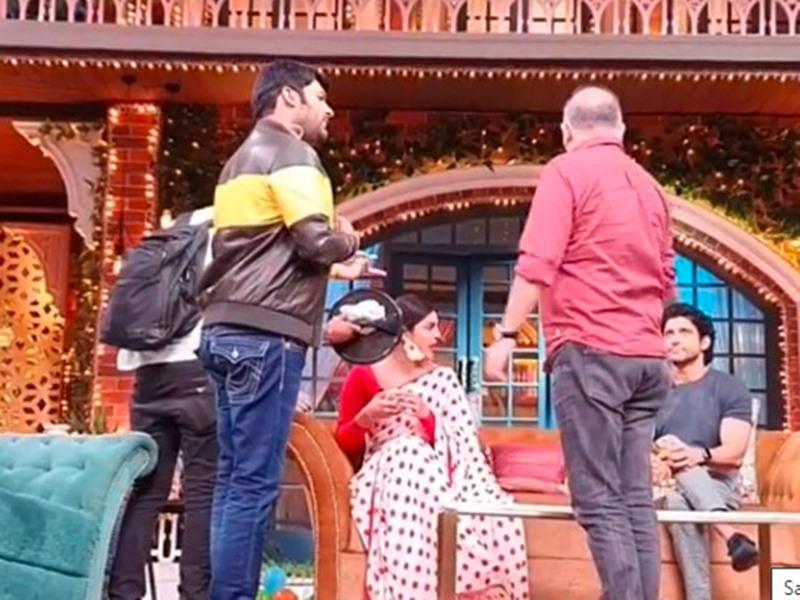 चलते शो में इस एक्टर ने तोड़ दी थी Kapil Sharma की कुर्सी, बीच में रोकना पड़ा था Priyanka Chopra का शो