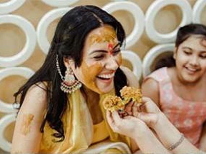 Kamya Panjabi की हल्दी सेरेमनी की तस्वीरें आईं सामने
