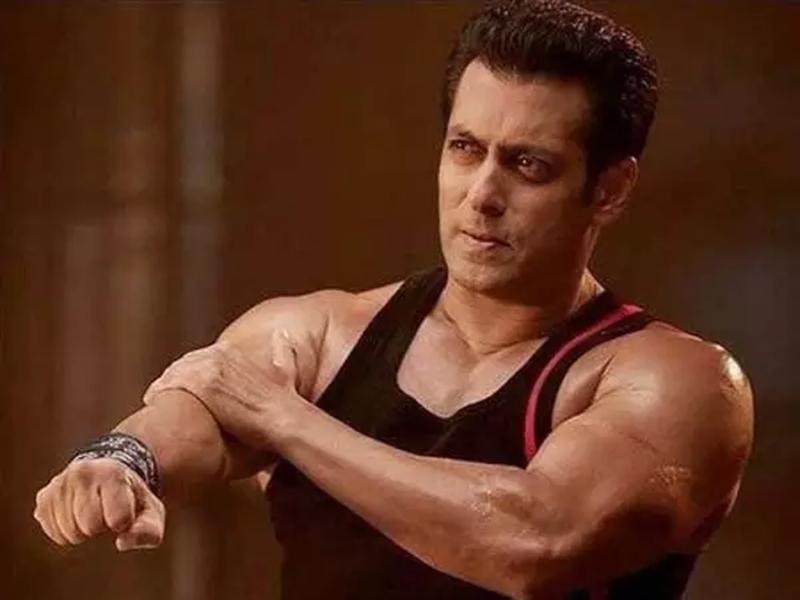Salman Khan की हो गई थी बुरी तरह पिटाई क्योंकि उलझ गए थे फैन्स से
