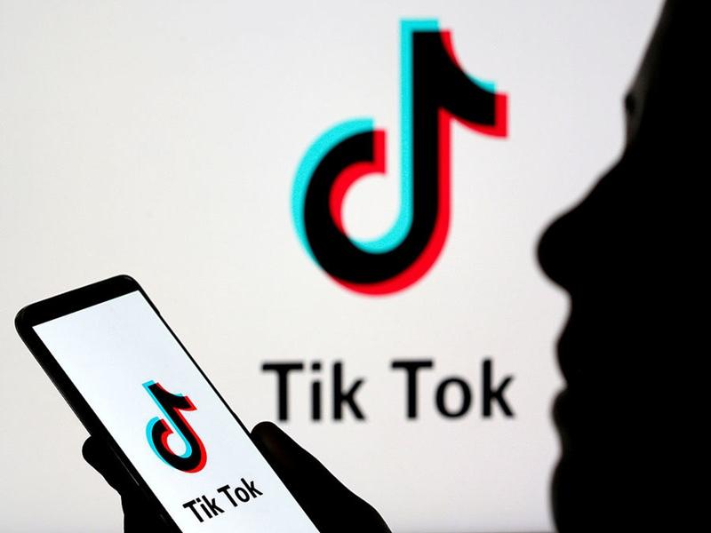 बहन के साथ TikTok वीडियो बनाया तो भाई ने युवक की पहले की जमकर पिटाई फिर कराई नग्न परेड