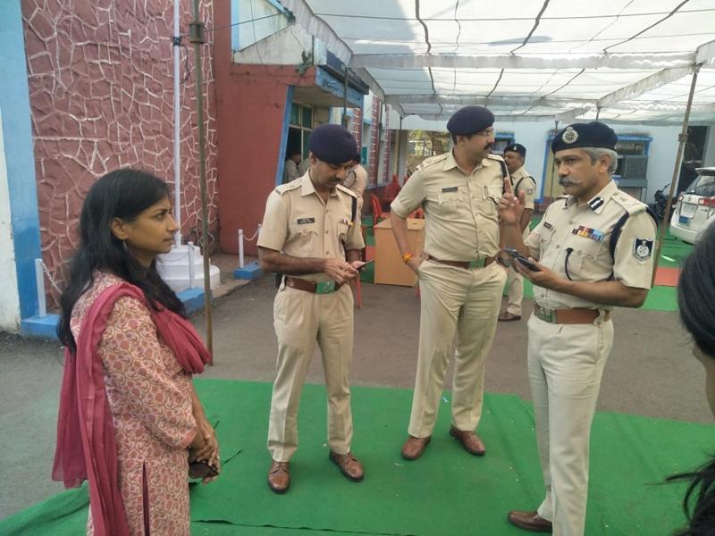Ayodhya Case Verdict 2019 : मध्यप्रदेश में अलर्ट पर रही पुलिस, सीएम ने रद्द किए अपने कार्यक्रम