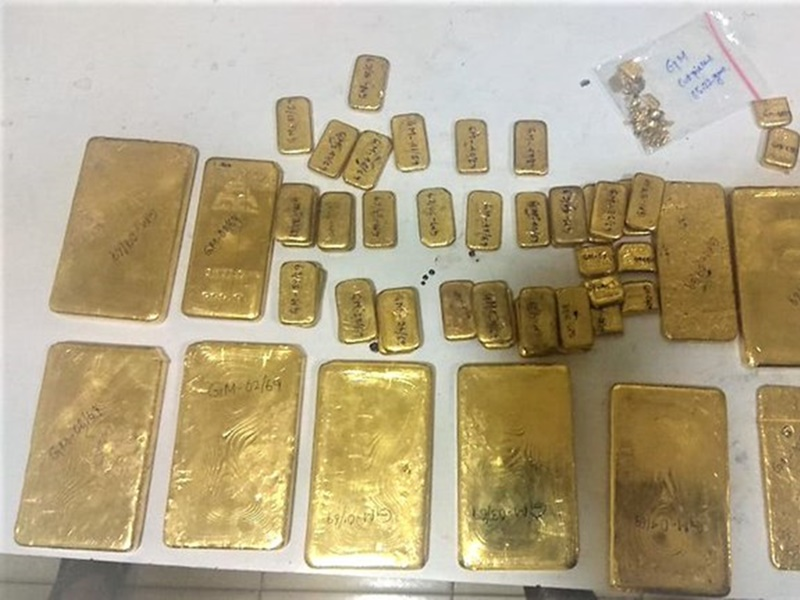Gold Seized : रायपुर, मुंबई और कोलकाता से 42 किलो सोना और आधा किलो जेवरात जब्त