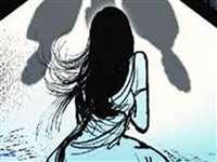 राजस्थान: बीमार पति को जान से मारने की धमकी दे करता था दुष्कर्म, मामला दर्ज