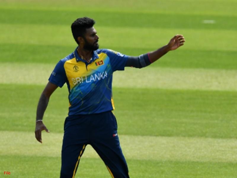 Mzansi Super League: श्रीलंकाई गेंदबाज की खेल भावना, मैदान में गिरे बल्लेबाज को नहीं किया रन आउट, Video वायरल