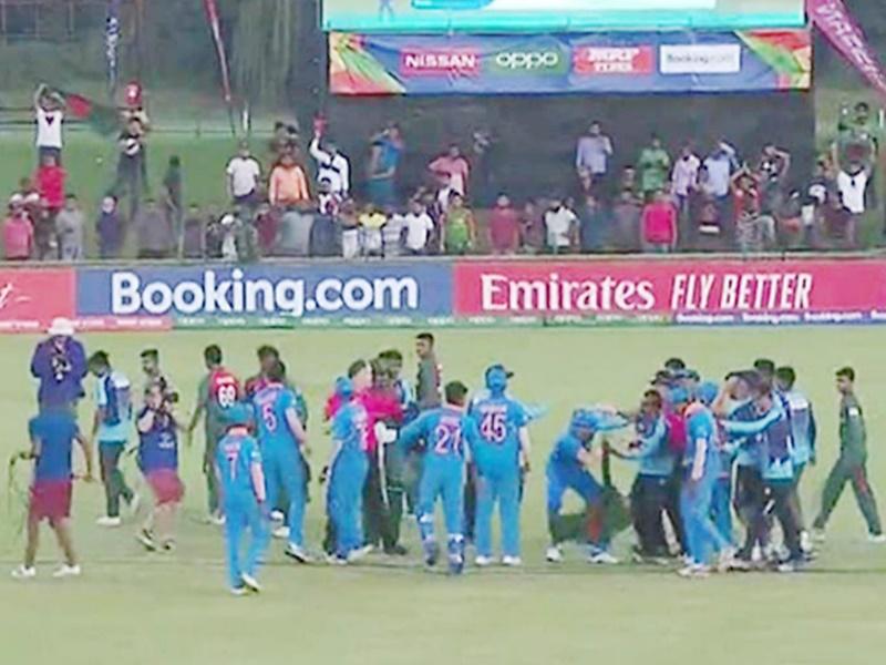 ICC U19 World Cup Final: कपिल देव और अजहर ने भारतीय खिलाड़ियों पर कार्रवाई की मांग की