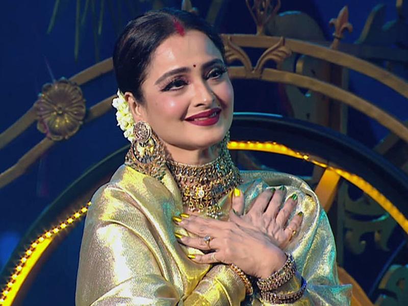 Actress Rekha के बंगले तक पहुंचा कोरोना वायरस, सिक्यॉरिटी गार्ड निकला पॉजिटिव