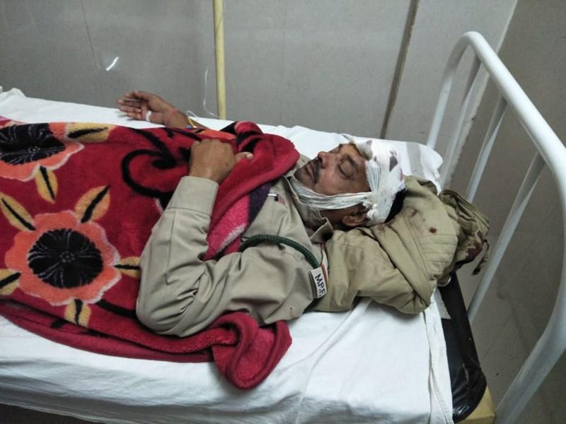 शिवपुरी के करैरा में डिप्टी रेंजर और वन रक्षक पर माफियाओं ने किया हमला
