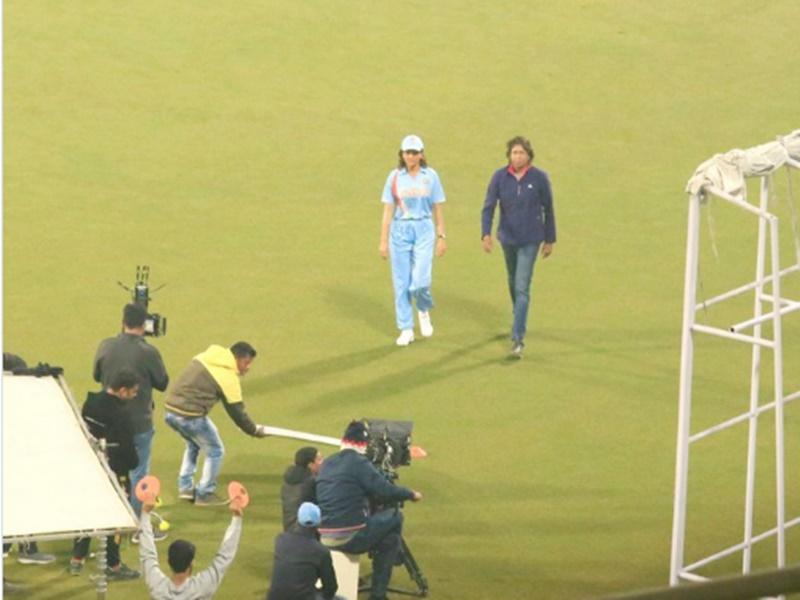 Anushka Sharma इस महिला क्रिकेटर की Biopic में आएंगी नजर