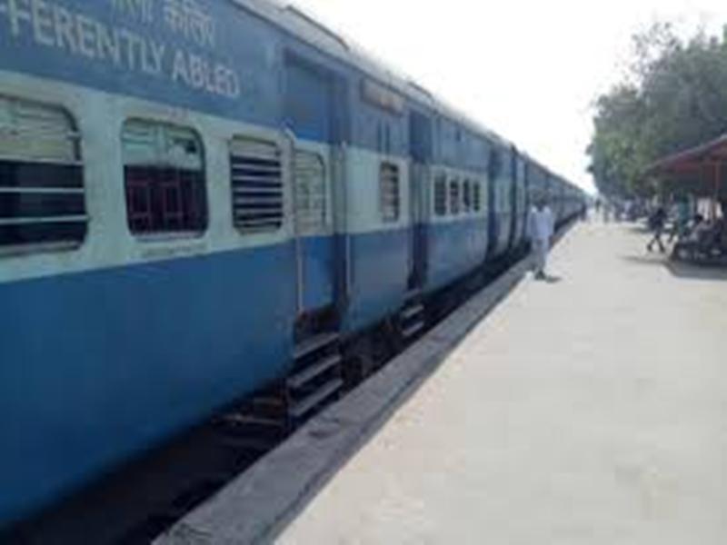 Gwalior News : अब रेल कोच में धुआं होते ही बजेगा अलार्म