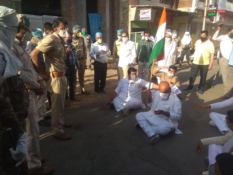 Lockdown in Ujjain : लॉकडाउन तोड़ने पर कांग्रेस के दो विधायक गिरफ्तार, जेल भेजा