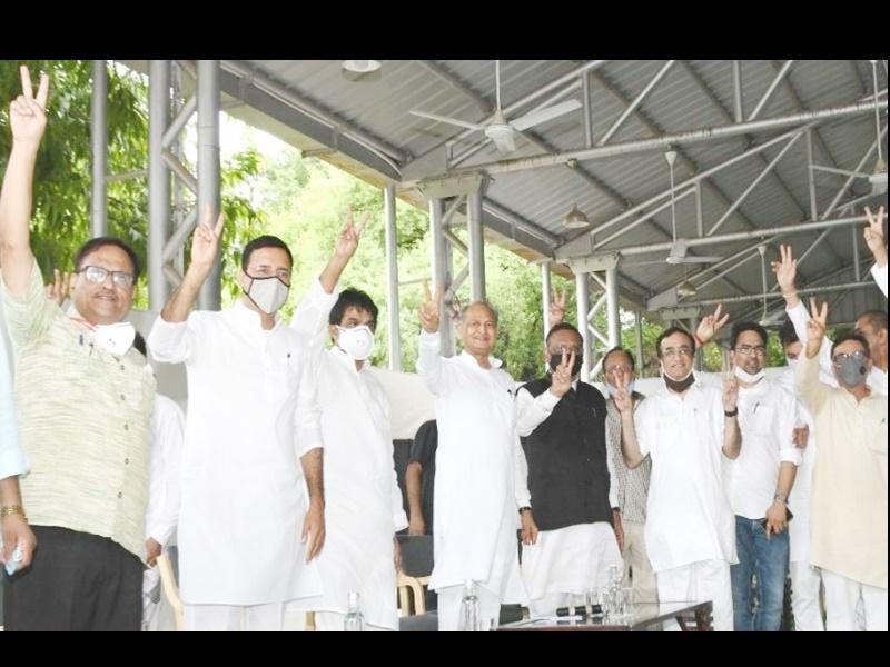 LIVE Rajasthan Political Crisis: विधायक दल की बैठक में अशोक गहलोत सरकार को मिला पूरा समर्थन