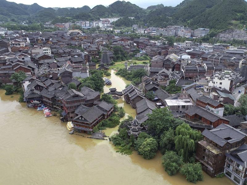 चीन में कोरोना के बाद बाढ़ से तबाही, 141 लापता या मरे, 3.8 करोड़ लोग प्रभावित