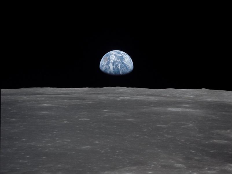 चांद की सतह से ऐसी नज़र आती है पृथ्वी, चंद्रमा पर कदम रखने वाले अंतरिक्ष यात्री ने शेयर की 50 साल पुरानी तस्वीर