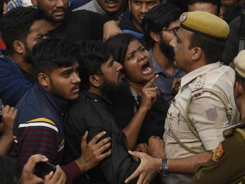 JNU hostel fee Issue: विरोध प्रदर्शन के बाद वापस ली गई जेएनयू हॉस्टल की बढ़ी हुई फीस
