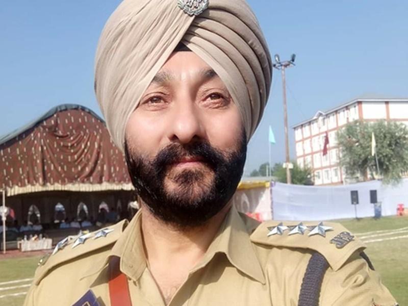 आतंकियों के साथ गिरफ्तार  होने वाले Davinder Singh की नौकरी के 30 साल गुजरे हैं ऐसे