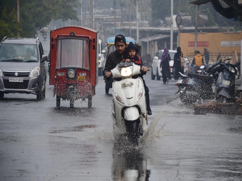 Madhya Pradesh Weather Update :  राजस्थान पर बने सिस्टम से बदला मौसम, भोपाल और नौगांव में बारिश