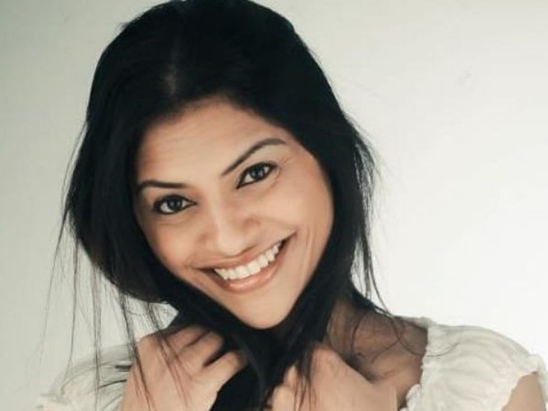 भारतीय महिला ने दुबई में बनाया World Record, 1,000 दिन में  रिकॉर्ड किए 1,000 गानें