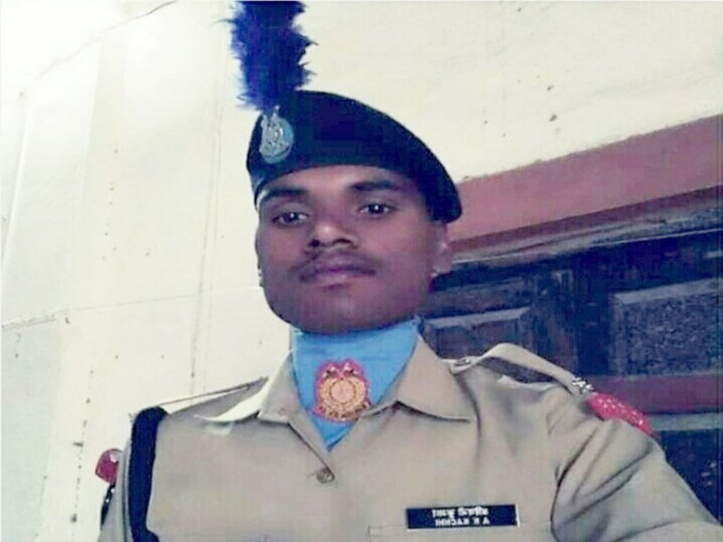 Pulwama Attack : शहीद बेटे का घर में बनाया मंदिर, भगवान की तरह पूजते हैं माता-पिता