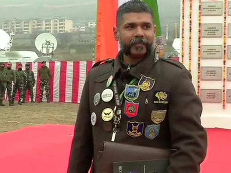 Pulwama Attack Anniversary: उन 40 शहीदों के घर की मिट्टी लाने के लिए उमेश ने किया एक साल में 61,000 km का सफर