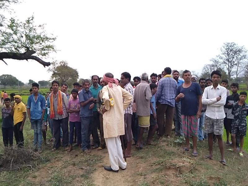 Dhamtari Two Sisters Suicide : घर के बाहर पेड़ पर लटकी मिली दो बहनों की लाश