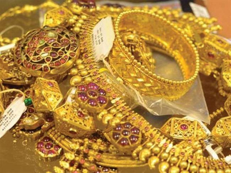 Gold Rate : 49000 के रिकॉर्ड स्तर पर जाकर सोना 220 रु. सस्ता, चांदी में 668 रु. की बड़ी गिरावट