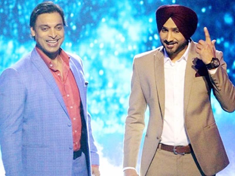 Harbhajan Singh funny Reply to Shoaib Akhtar: शोएब ने बेटे के लिए मांगा आशीर्वाद, हरभजन ने दिया लोट-पोट कर देने वाला जवाब