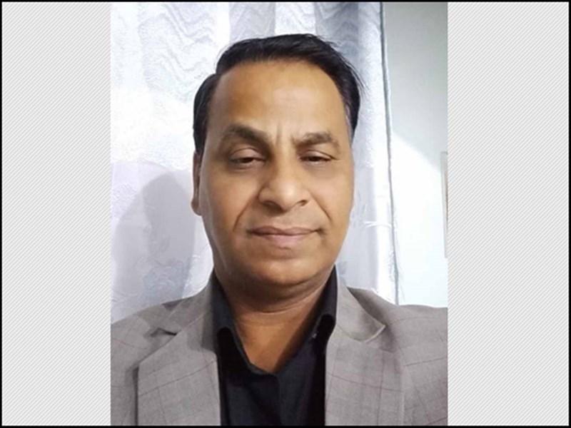 Veer Savarkar : एनजीओ ने सावरकर के फोटो वाली कॉपियां बांटी, स्कूल प्राचार्य निलंबित