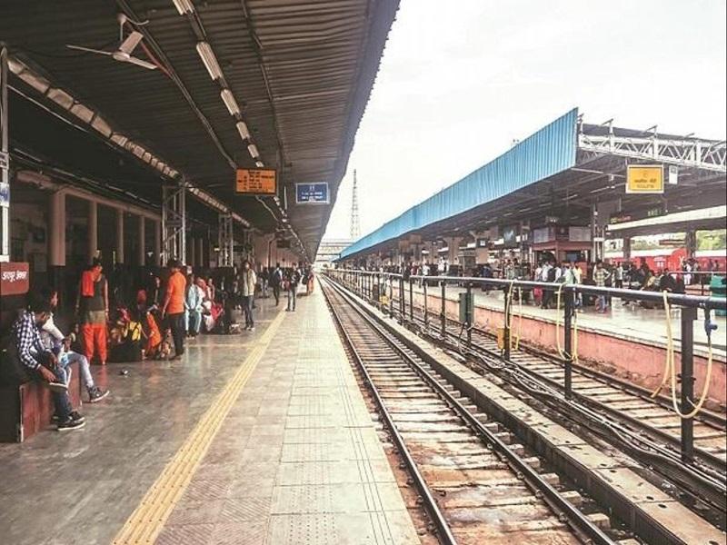 Chhattisgarh Railway: बगैर टिकट सफर करना पड़ा भारी, रेलवे की कार्रवाई से लाखों की वसूली