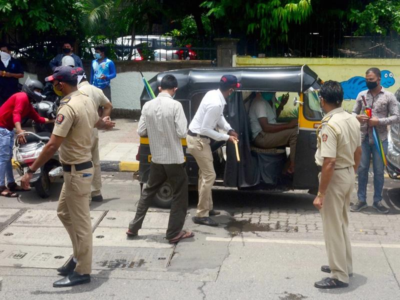 Lockdowns Return in India: अभी लगते रहेंगे मिनी लॉकडाउन, वीकेंड पर घर से निकलना भी भूल जाइए