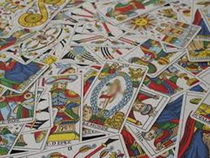 Tarot Card : टैरो कार्ड में इस बार मिथुन राशि के जातकों के लिए बताए गए हैं धन पाने के अवसर