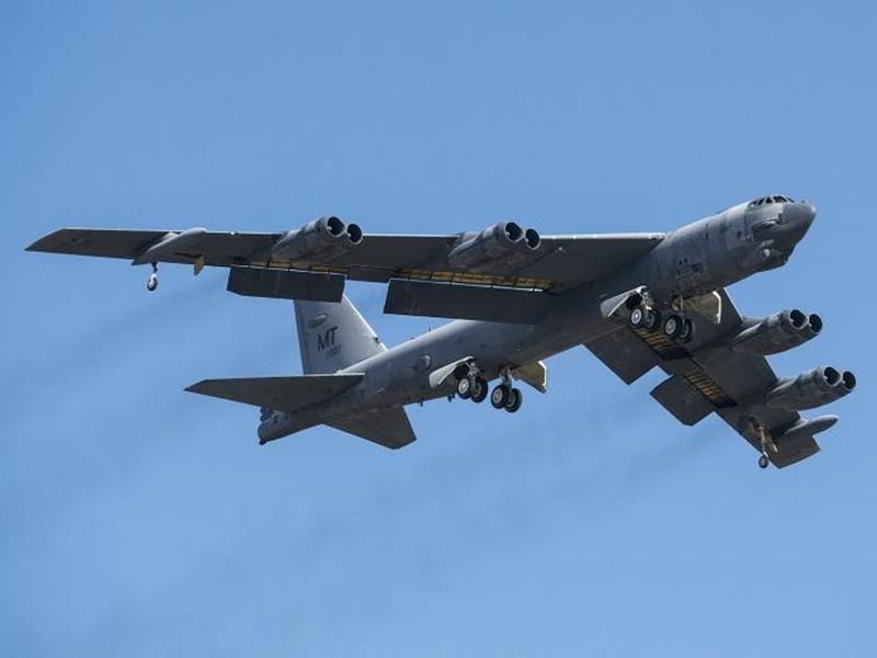 अमेरिका के B-52 बॉम्बर प्लेन से हटाए जा रहे हैं परमाणु हथियार, कहा गया कमजोर है यह विमान