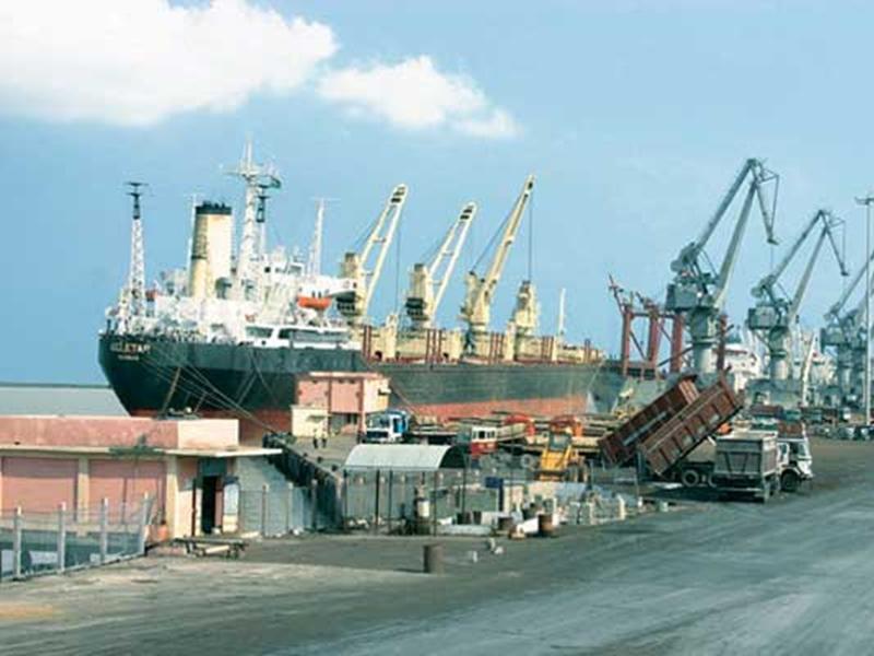 कराची के शिप को गुजरात के कांडला बंदरगाह में रोका गया, मिसाइल लॉन्च का कार्गो मिला