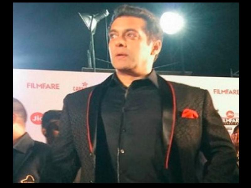 Filmfare को लेकर Salman Khan ने दिया था ये बयान, कहा था - ऐसे 'स्टूपिड अवॉर्ड्स' लेने नहीं जाऊंगा, वीडियो हुआ वायरल