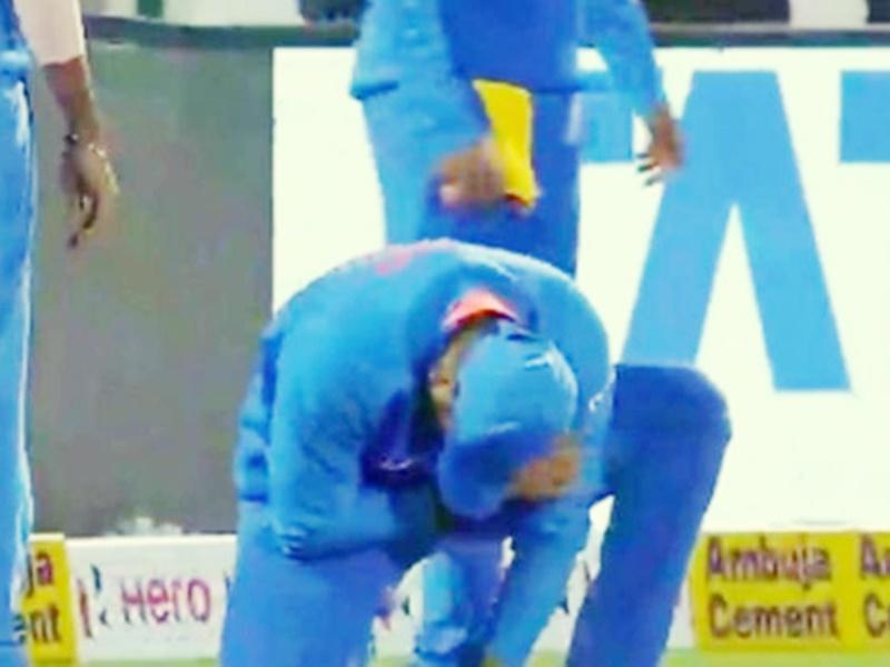 Rohit Sharma को कंधे में लगी चोट, दर्द के मारे हुए बेहाल