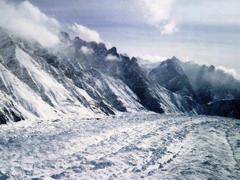 Avalanche  in Siachen : सियाचिन में बर्फ में दबे सेना के 4 जवानों सहित 6 शहीद