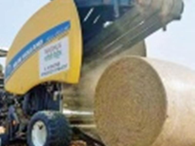 पराली से किसानों को कमाई सिखाएगी बेलर मशीन, प्रदूषण भी होगा कम