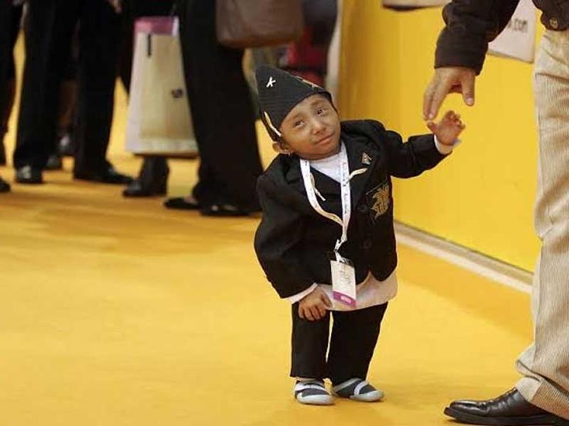 दुनिया के सबसे छोटे शख्स खगेंद्र थापा का निधन, गिनीज वर्ल्ड रिकॉर्ड में दर्ज था नाम