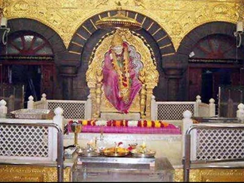 शिरडी साईं मंदिर 19 जनवरी को भी खुला, लेकिन शहर में है बेमियादी बंद