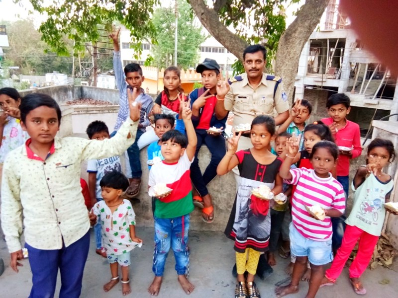 Children Bank in Indore : एक-दो रुपए की बचत से बना 'चिल्ड्रन बैंक', जरूरतमंद बच्चों के लिए मददगार