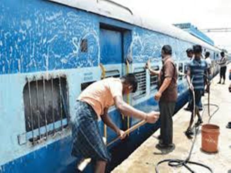 Jabalpur News : ऑटोमेटिक कोच वॉशिंग प्लांट में 5 मिनट में ट्रेनों की होगी सफाई