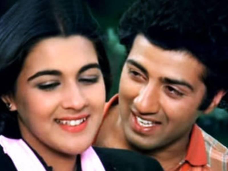 अब तो करोड़ों कमाती हैं इनकी फिल्में, Sunny Deol, Govinda और Sunil Shetty की पहली फिल्मों को मिले थे केवल इतने रुपए