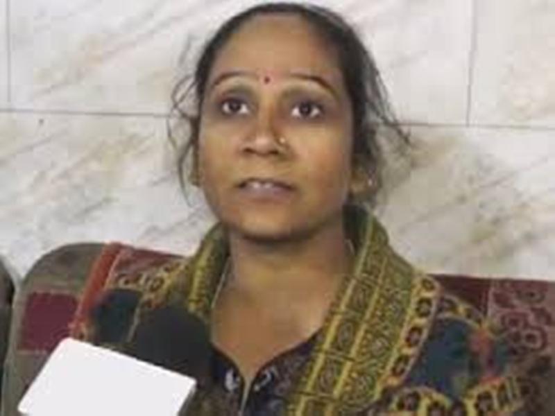 Madhya Pradesh News :  पथरिया विधायक रामबाई ने बच्चों के साथ मेले में जंपिंग पैड पर की उछलकूद