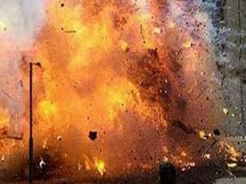 Chhattisgarh News : नक्सलियों ने ओरछा थाना के पास किया बम विस्फोट
