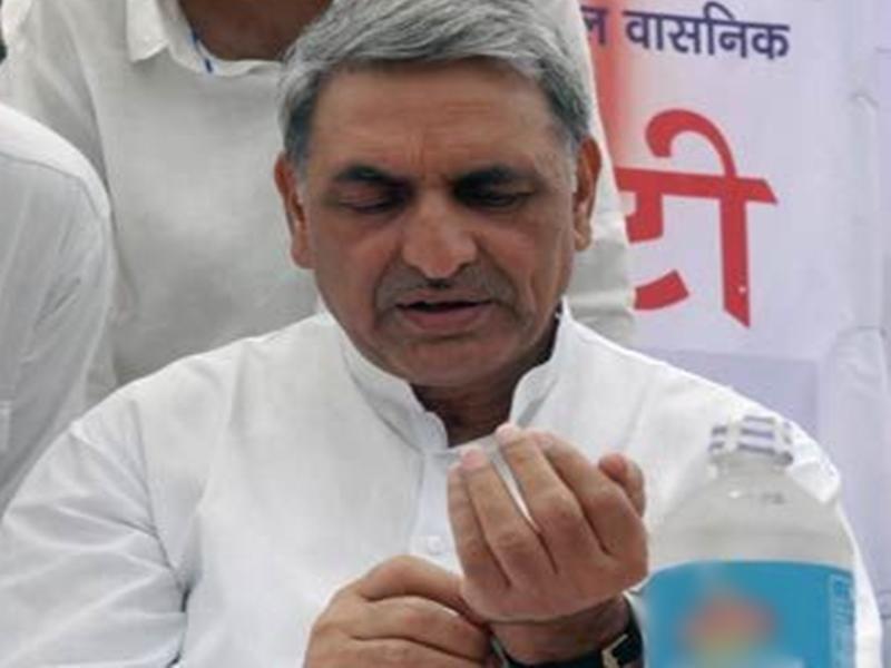 बार-बार हाथ धोने से Coronavirus से हो है बचाव लेकिन राजस्थान में चुनाव हार चुके हैं कांग्रेस के ये नेता