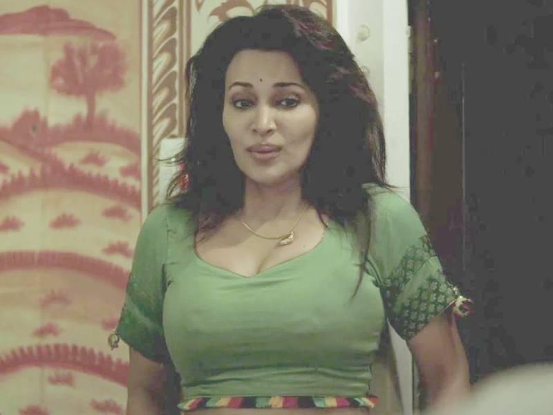 Web Series Gandi Baat से मशहूर हुईं एक्ट्रेस Flora Saini देंगी फैन्स को पर्सनालाइज्ड मैसेज