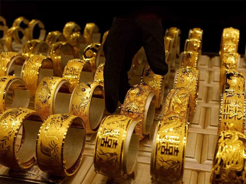Gold Price : डायमंड की तुलना में अभी बेहतर माना जा रहा सोना