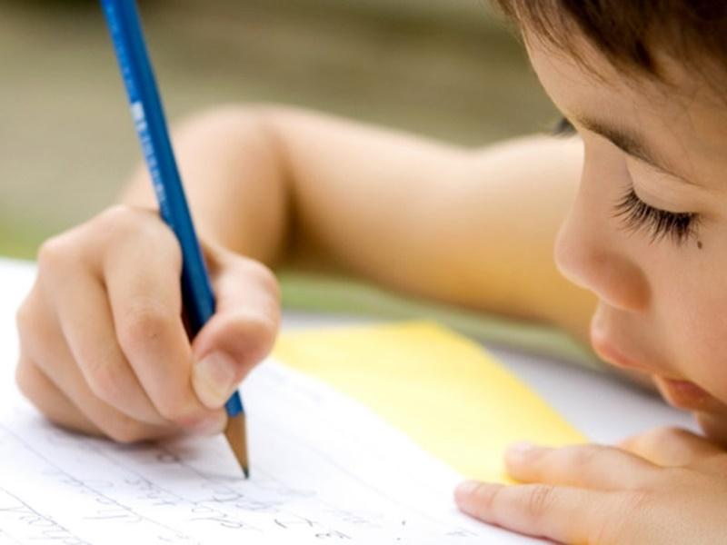 चौथी क्लास के बच्चे ने ऐसा निबंध लिखा कि पढ़कर रो पड़ी टीचर, पढ़ें क्या लिखा था