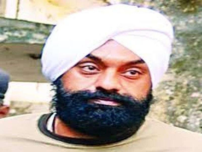 Indore Fraud : प्लॉट मांगने पर बॉबी छाबड़ा ने दी थी गोली मारने की धमकी, कोरे कागज पर कराए हस्ताक्षर
