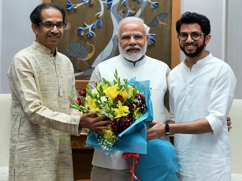 PM Modi से मुलाकात के बाद मुख्यमंत्री उद्धव ने किया साफ- महाराष्ट्र में लागू होगा CAA और NPR