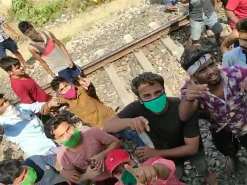 LockDown in Madhya Pradesh : श्रमिक ट्रेन के यात्रियों ने लूटा खाने-पीने का सामान